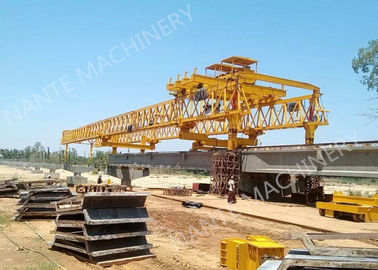 চীন Beam Launcher Gantry Crane for railway construction project with Reliable performance পরিবেশক